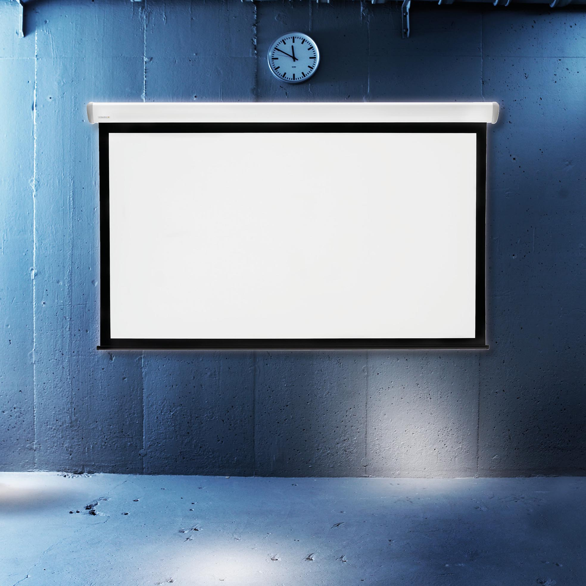 Elektrisk filmduk för hemmabio och kontor, i cool miljö, från Kingpin Screens