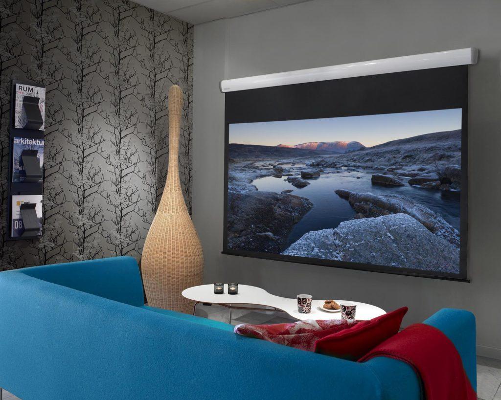 Crown projektorduk i fin miljö från Kingpin Screens