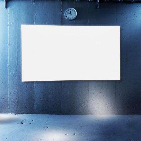 En ramlös fast duk för kortskjutande eller vanliga projektorer från Kingpin Screen