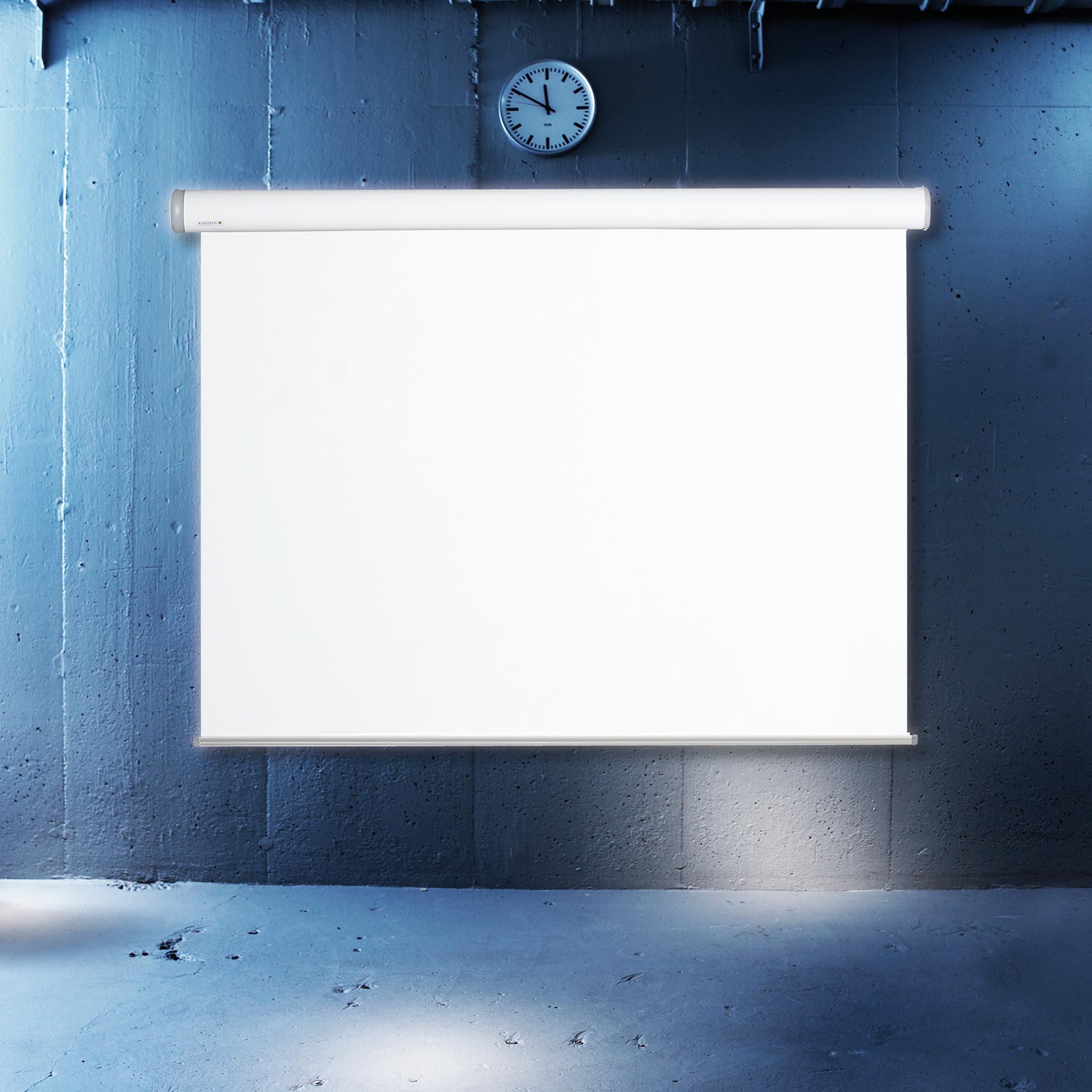 Elektrisk projektionsduk för hemmabio och kontor, i cool miljö, från Kingpin Screens