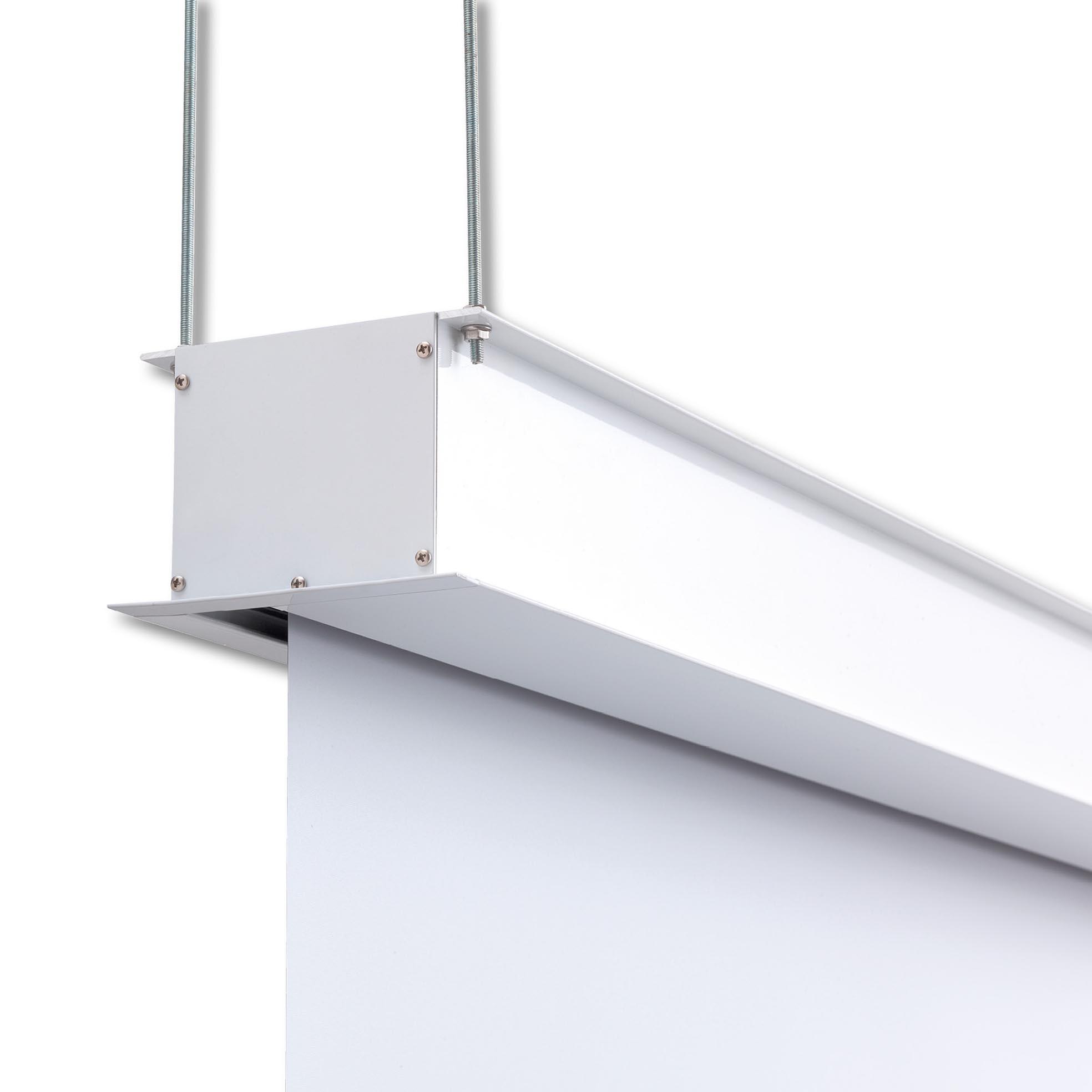 Projektorduk för inbyggnad i tak för projektor, detaljbild upphängningsfästen och kassett, från Kingpin Screens