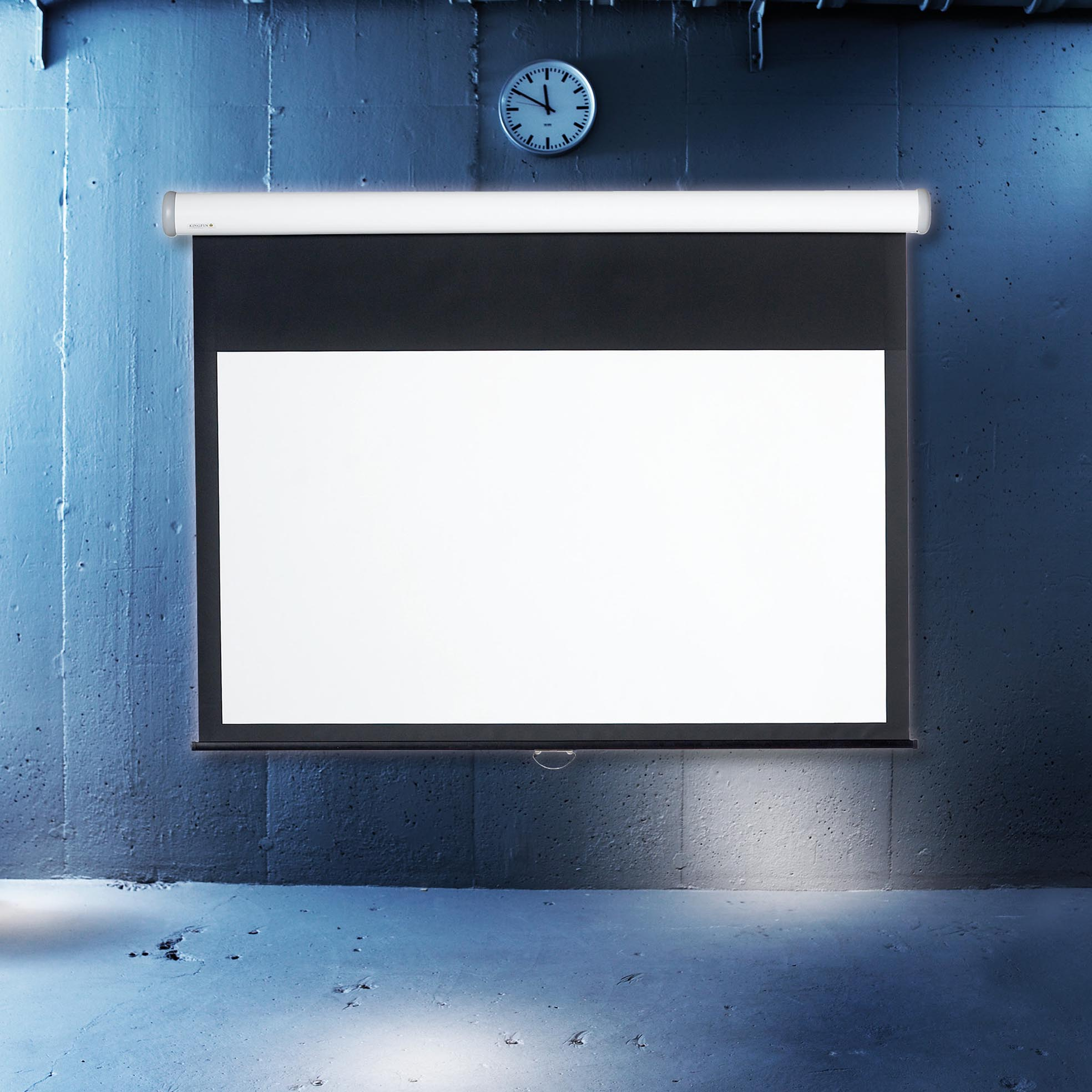 Manuell projektorduk för hemmabio och kontor, i cool miljö, från Kingpin
